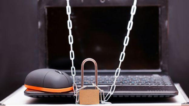 Hay pasos sencillos, pero frecuentemente olvidados, que podemos tomar para reducir el riesgo a ser infectados con un virus que llega en un email.