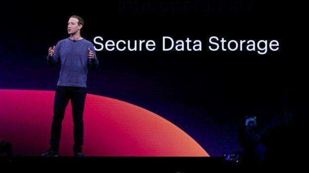 """Facebook dijo que los dos primeros problemas no podían resolverse debido a """"limitaciones de infraestructura"""" que hay detrás de WhatsApp."""